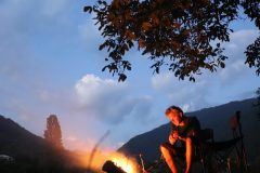 Abends am Feuer